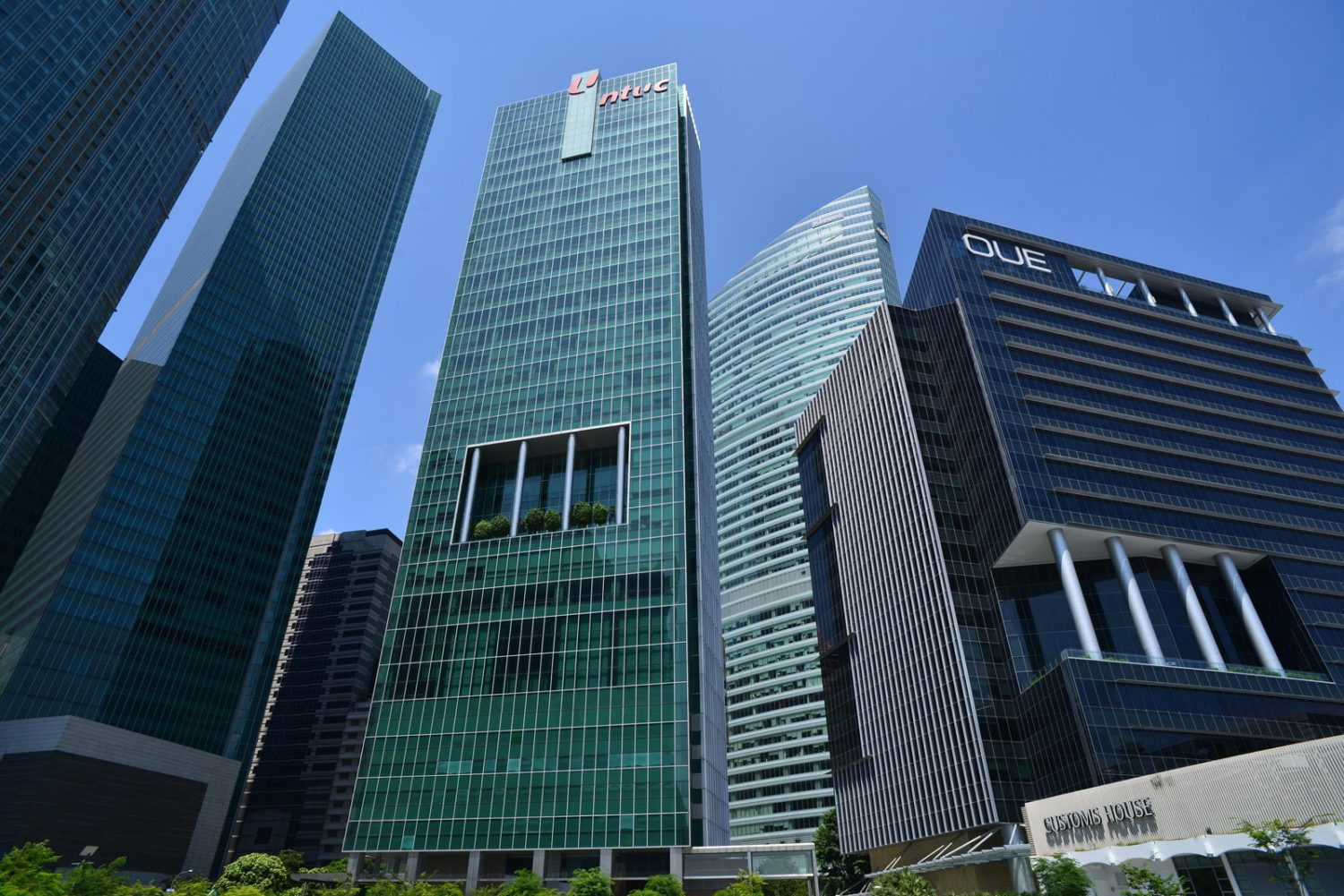 oue downtown singapore office building